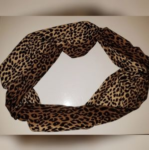 Accessories - Leopard/animal print infinity scarf